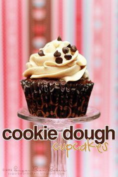 Chocolate Chip Cookie Dough Cupcakes YUM! #cupcake
