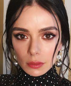 Image may contain: 1 person, closeup Arab Women, Beauty Make Up, Beauty Women, Close Up, Photoshoot, Actresses, Portrait, Celebrities, Makeup