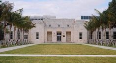 Bass Museum of Art  (Miami Beach, Florida)