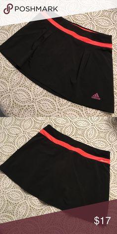 "Adidas✨Climalite Tennis Skort Size small. Excellent condition. 29"" waist, 12 1/2"" length. Adidas Shorts Skorts"