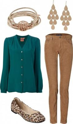 hmmm…how about hunter green top, khaki skirt and leopard heels…i'll have to try tonight Image source Teal Pants Outfit, Green Shirt Outfits, Green Cardigan Outfit, Green Pants Outfit, Teal Outfits, Bluse Outfit, Green Blouse, Pantalon Turquoise, Fashion Clothes