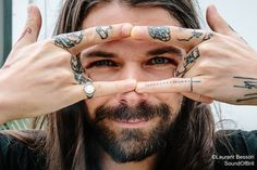 I love penguins, kittens, music, art & films. Much Music, Music Tv, Music Bands, Biffy Clyro Mountains, Reading And Leeds Festival, Simon Neil, Flippy Hair, Wow Products, Moustache