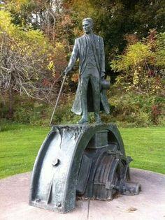 Nikola Tesla, ~ Ontario, Canada. El genio mas grande de todos los tiempos, vilipendiado por los poderosos, odiado por Edison, quien lo envidiaba a muerte