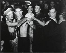 Gay club in Berlin, 1930  Rarely Seen 'Enchanted' Moments of World History, Part 3 (Megapost) | Earthly Mission
