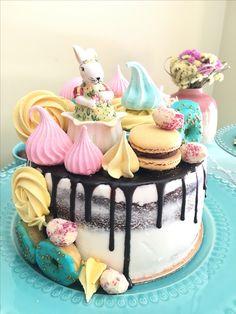 Drip cake naked cake