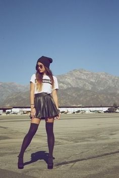 White plain tshirt black leather skater skirt black high knee socks high waisted black hat ombré dip dyed hair pretty ootd outfit perfect fall winter spring