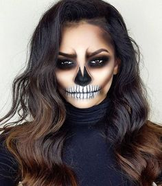 Are you looking for ideas for your Halloween make-up? Browse around this site for cute Halloween makeup looks. Cute Halloween Makeup, Halloween Inspo, Halloween Makeup Looks, Scary Halloween, Pretty Halloween, Women Halloween, Sugar Skull Halloween Makeup, Halloween Costumes Diy Scary, Halloween Costumes For Brunettes