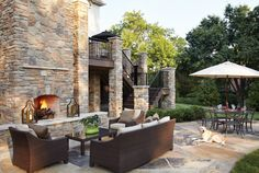 Greaet patio space (1800×1208)  ||  http://www.stlouishomesmag.com/article/great-outdoors