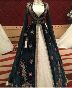 indian designer wear Image may contain: one or more people and people standing Renaissance Dresses, Medieval Dress, Indian Gowns Dresses, Pakistani Dresses, Turkish Wedding Dress, Dress Dior, Modele Hijab, Fantasy Gowns, Indian Designer Wear