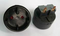 Female plug inserts in sockets