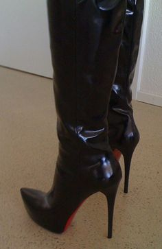 Black high heel boots...  High Heels for ladies...Share if you know any of them that wearing High Heels❤️and WHY...