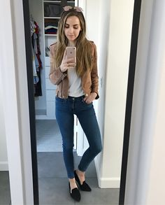 Basics for a day of working and moming. Also these higher waisted jeans are kind of changing my life  and they're under $40. All the outfit details here with a screenshot or double tap: http://liketk.it/2qO6X or on the blog under my SHOP tab  #merricksmomiform #basics @liketoknow.it #liketkit