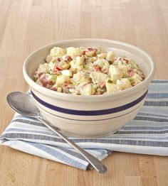 The best potato salad ever. No kidding! (And no peeling!) It's all about the red potatoes; their waxy texture keeps the spuds intact as you mix everything together. Vegetarian Recipes Hearty, Vegetarian Dinners, Veggie Dinners, Grilling Recipes, Cooking Recipes, Cooking Tips, Best Potato Salad Recipe, Potato Recipes, Picnic Foods