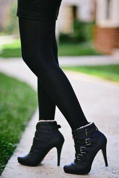 Plaid Sweatshirt & Faux Leather Skirt-007 http://zunera-serena.com/plaid-sweatshirt/