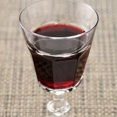 Nalewka ze śliwek - przepis na jesień Irish Cream, Non Alcoholic Drinks, Wines, Red Wine, Food And Drink, Vogue, Homemade, Mead, Opera