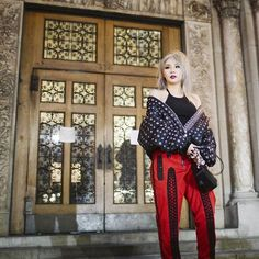 2NE1's CL atAlexander Wang's 2016 F/W There is no stopping queen GZB! After appearing at the Saint Laurent F/W 2016 fashion show, 2NE1 CL again appeared at Alexander Wang's F/W show this year. Check out CL's photos below: Share your vote! No, thanks.