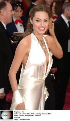 Angelina Jolie photo 166606