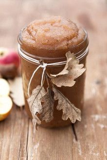 Yummy apple sauce for a fall wedding