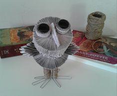 Hibou Sculpture de livre art de Harry Potter art de livre   Etsy Book Art, Book Folding Patterns, Harry Potter, Sculpture, Etsy, Chamber Of Secrets, Recycled Books, Book Folding, Sculptures