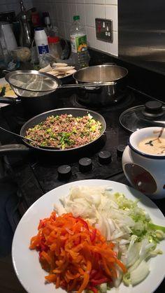 Angst Im Dunkeln, Tumblr Food, Healthy Snacks, Healthy Recipes, Snap Food, Food Snapchat, Food Goals, Arabic Food, Aesthetic Food