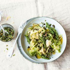 Wenn das Königsgemüse auf Pasta trifft, kann nur ein Lieblingsrezept auf dem Teller landen. Himmlisch gut!