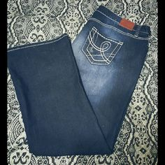 *NWOT*Maurices Plus Size Jeans *NEW - worn ONCE - Maurices bootcut jeans. LONG length. Maurices Jeans Boot Cut