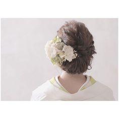 王道ヘアアレンジ♡和装にはゆるふわ「シニヨンヘア」を合わせるのが可愛い* | marry[マリー] Party Hairstyles, Wedding Hairstyles, Geisha Hair, Wedding Kimono, Japanese Wedding, Hair Arrange, Hair Setting, Japanese Hairstyle, Wedding Hair Inspiration