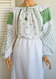 Ie Romaneasca Oltenia - Chic Roumaine Folk Fashion, Traditional, Embroidery, Chic, Folk Style, Costume, Cotton, Fashion Design, Dresses