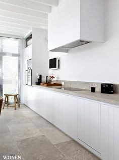 kitchens don't need cupboards above the counter!!!