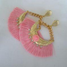 Brinco artesanal de leque rosa R$ 8,00