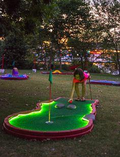 Portable Mini Golf Courses - Holes To Go Diy Yard Games, Backyard Games, Outdoor Games, Outdoor Fun, Mini Golf, Putt Putt Golf, Miniature Golf, Kids Playing, Golf Courses