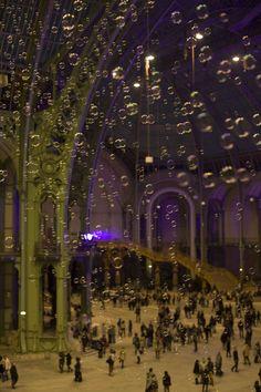 2010 Francis Kurkdjian Noctambulles Nuit des Musees GrandPalais ©Nathalie Baetens www.bullesconcept.com