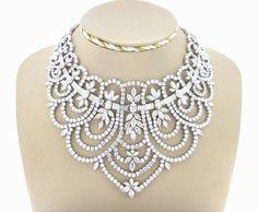 Collana in Stile Vittoriano con 338 cts di Diamanti