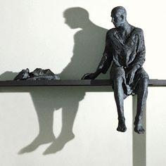 Hanneke Beaumont ... Grand nom de la sculpture contemporaine, Hanneke Beaumont partage son temps de vie et de création entre Bruxelles et Pi...
