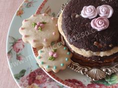 Esta tarta desde que la vimos en el blog de Alma Objetivo : Cupcake Perfecto nos encanto. Sabíamos que algún día teníamos que hacerl...