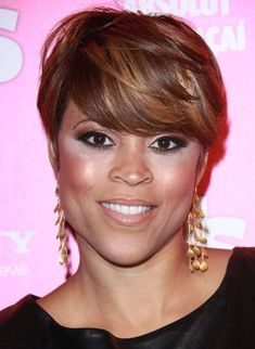 Discover great deals of Chic Mixed Color Short Straight Capless Human Hair Wig 6 Inches African American wigs and choose the fabulous designer short African American wigs to fit your life style. Cute Hairstyles For Short Hair, Celebrity Hairstyles, Short Hair Cuts, Wig Hairstyles, Short Hair Styles, Love Hair, Great Hair, 100 Human Hair, Human Hair Wigs