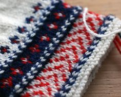 Ravelry: AnuPink's Estonian knitted gloves