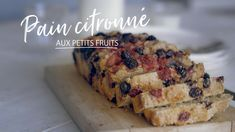 Pain citronné aux petits fruits Quebec, Dessert Bread, Healthy Sweets, Sweet Bread, Coffee Cake, Just Desserts, Brunch, Food And Drink, Treats