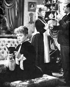 Ingrid Bergman, Angela Lansbury & Charles Boyer in Gaslight 1947 DIR George Cukor, legendary for getting great work from actresses. Lansbury was only 17. Star turn. Ingrid brilliant as usual.
