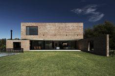 Arquitectura en ladrillo visto: casa unifamiliar de Estudio BaBO | diseño de interiores en casa