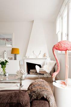 Pink flamingo decor.