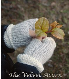 Ravelry: Lyla Hat/Mitt Set pattern by Heidi May Heidi May, Velvet Acorn, Crochet Mittens, Knit Crochet, Crochet Pattern, Loom Knitting, Knitting Patterns, Knitted Hats Kids, Super Bulky Yarn
