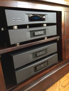 We've enjoyed installing a beautiful #Linn Akuarte Exakt system this week. The Exakt technology delivers a breakthrough in audio performance; the most direct connection ever made between you and the artist. It pushes the lossless digital signal path all the way to the speaker - eliminating noise and distortion #Hifi #Audiophile