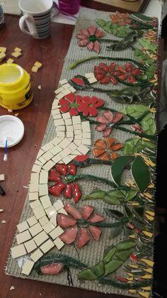 Mosaico sobre telgopor. Taller de Ricardo Stefani