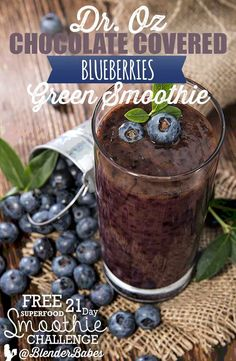 Oz is our hero with his tasty vegan chocolate covered blueberries green smoothie recipe! High protein vegan smoothie is great post-workout. Smoothie Recipes With Yogurt, Fruit Smoothie Recipes, Good Smoothies, Vegan Smoothies, Green Smoothies, Smoothie Packs, Smoothie Blender, Chocolate Covered Blueberries, Flaxseed Smoothie
