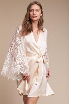 474f1e0290 21 Gorgeous Getting-Ready Bridal Robes You and Your Girls Will Love!