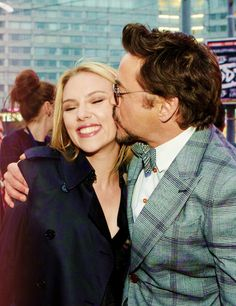 Scarlett and Robert, they are adorable! The way they interact with each other, especially for photos, is so great!