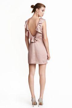 Vestido em cetim com folhos | H&M
