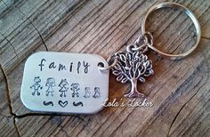 GroopDealz   Personalized Family Key Chain