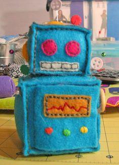 Robot Pin Cushion, via  Ridiculously Adorable blog